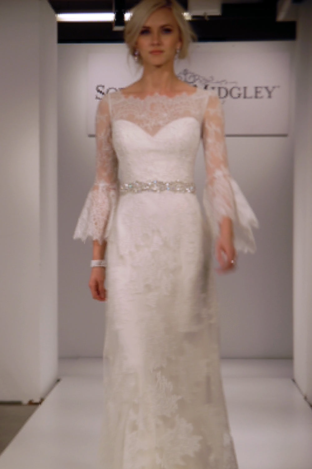 10 More Gowns We Love from the Chicago Bridal Runway Shows - Wedding ...