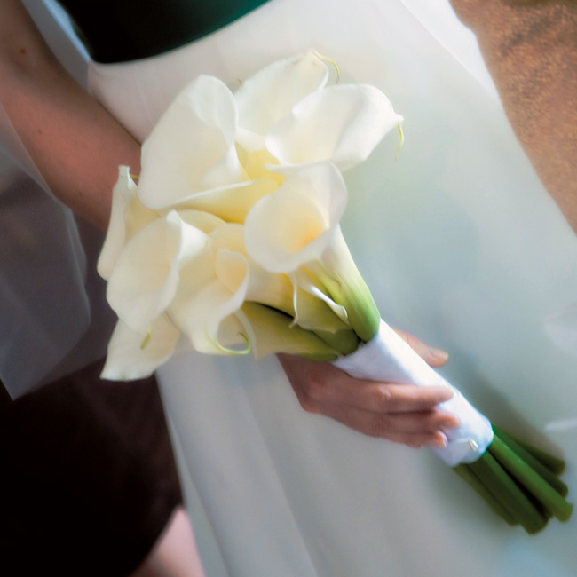 Lily Flower Wedding Bouquet: Warm Wedding With Calla Lily