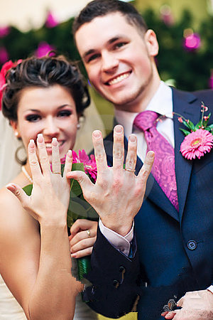 Congratulations Now, You May Have To Face A Wedding Ring, Do Not Know How  To Wear It. If Youu0027re Alone Or In Your Engagement Ring, ...